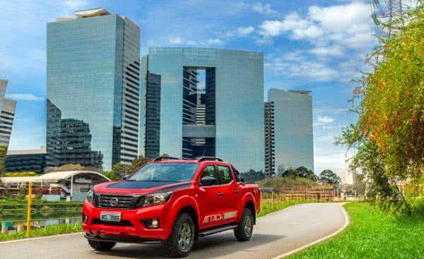 Nissan-Frontier-Attack-2022-08-600x367 Nissan Frontier Attack 2022: Ficha Técnica, Preço, Fotos, Consumo