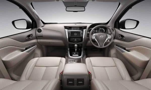 Nissan-Frontier-Attack-2022-interior-2-600x358 Nissan Frontier Attack 2022: Ficha Técnica, Preço, Fotos, Consumo