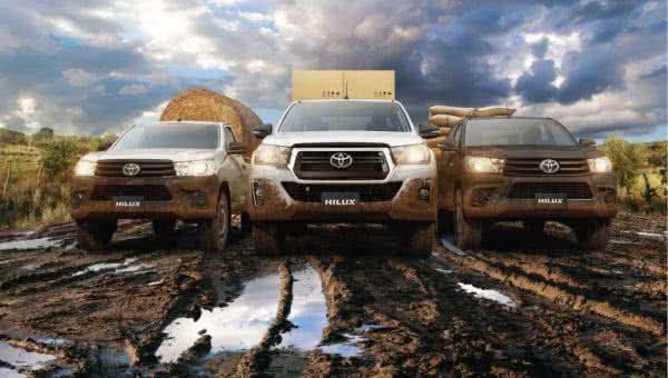 Toyota-Hilux-2022-02-600x340 Toyota Hilux 2022: Ficha Técnica, Preço, Fotos, Consumo
