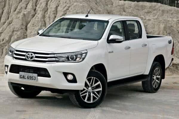 Toyota-Hilux-2022-04-600x400 Toyota Hilux 2022: Ficha Técnica, Preço, Fotos, Consumo