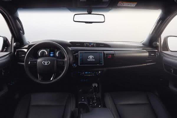 Toyota-Hilux-2022-itens-600x400 Toyota Hilux 2022: Ficha Técnica, Preço, Fotos, Consumo