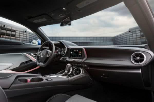 Camaro-Chevrolet-2022-2-600x400 Camaro Chevrolet 2022: Preço, Versões, Fotos Ficha Técnica