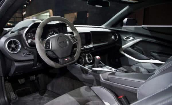 Camaro-Chevrolet-2022-3-600x369 Camaro Chevrolet 2022: Preço, Versões, Fotos Ficha Técnica