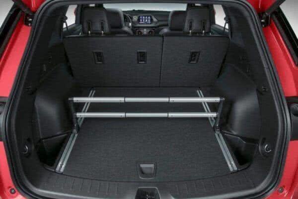 Chevrolet-Blazer-2022-bagageiro-600x400 Chevrolet Blazer 2022: Preço, Consumo, Itens e Ficha Técnica