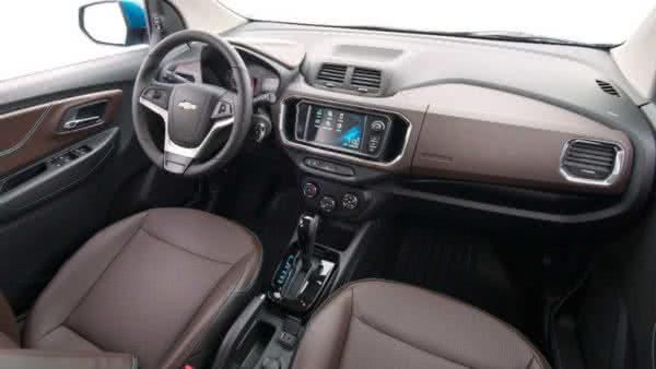 Chevrolet-Spin-2022-interior-600x338 Chevrolet Spin 2022: Preço, Ficha Técnica, Novidades, Fotos