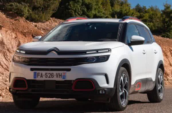 Citroën-C5-Aircross-2022-1-600x395 Citroën C5 Aircross 2022: Motorização, Fotos, Preços, Ficha Técnica