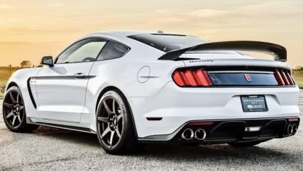 Ford-Mustang-2022-10-600x338 Ford Mustang 2022: Preço, Consumo, Ficha Técnica e Fotos