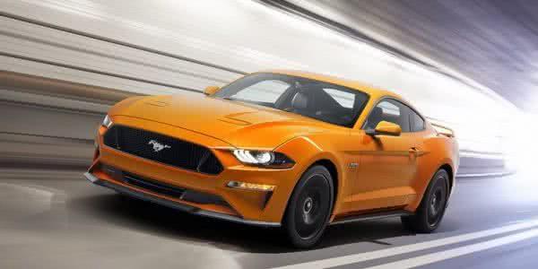 Ford-Mustang-2022-12-600x300 Ford Mustang 2022: Preço, Consumo, Ficha Técnica e Fotos