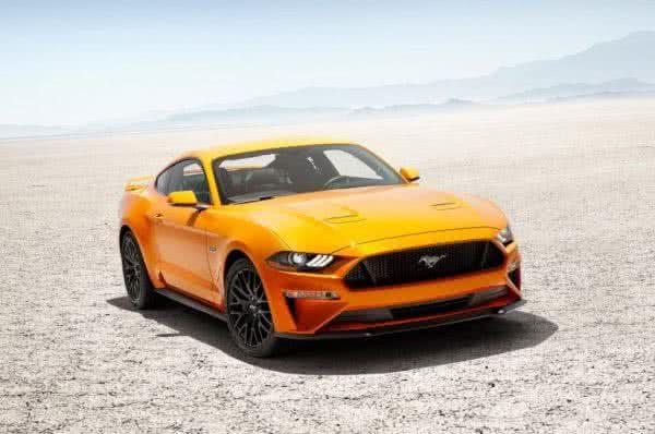 Ford-Mustang-2022-2-600x398 Ford Mustang 2022: Preço, Consumo, Ficha Técnica e Fotos