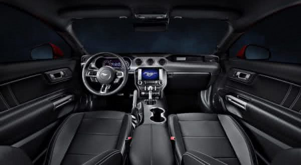 Ford-Mustang-2022-7-600x329 Ford Mustang 2022: Preço, Consumo, Ficha Técnica e Fotos