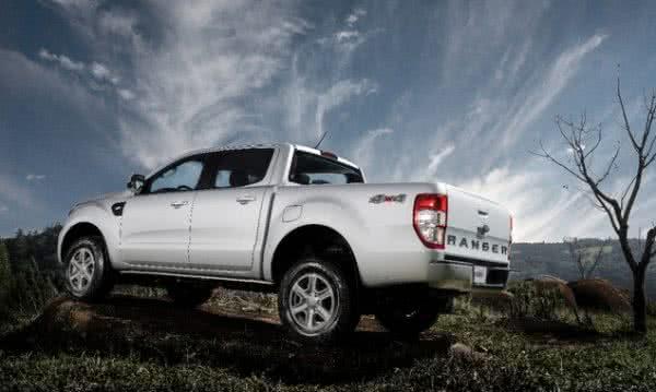 Ford-Ranger-2022-3-600x359 Ford Ranger 2022: Motorização, Fotos, Preços, Ficha Técnica