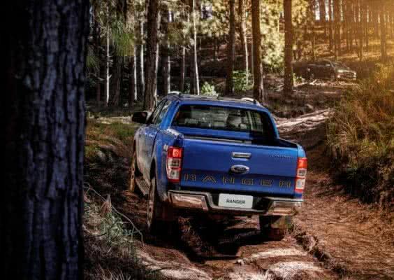 Ford-Ranger-2022-7-564x400 Ford Ranger 2022: Motorização, Fotos, Preços, Ficha Técnica