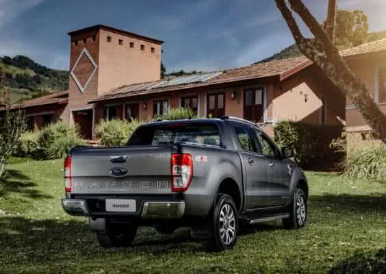 Ford-Ranger-2022-8-564x400 Ford Ranger 2022: Motorização, Fotos, Preços, Ficha Técnica