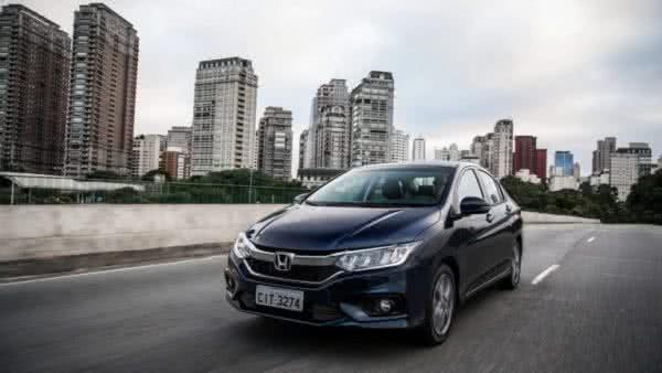 Honda-Accord-2022-1-600x338 Honda Accord 2022: Preço, Consumo, Ficha Técnica e Fotos