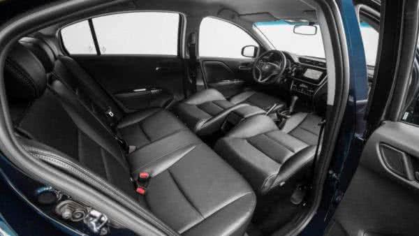 Honda-Accord-2022-10-600x338 Honda Accord 2022: Preço, Consumo, Ficha Técnica e Fotos