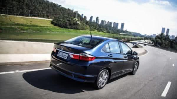 Honda-Accord-2022-8-600x338 Honda Accord 2022: Preço, Consumo, Ficha Técnica e Fotos