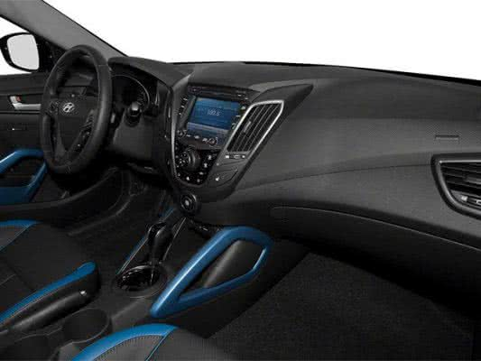Hyundai-Veloster-2022-8-533x400 Hyundai Veloster 2022: Consumo, Fotos, Ficha Técnica, Preços
