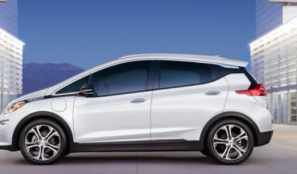 Novo-Chevrolet-Bolt-2022-2-600x352 Renault Sandero 2022: Preço, Consumo, Motor, Versões e Fotos