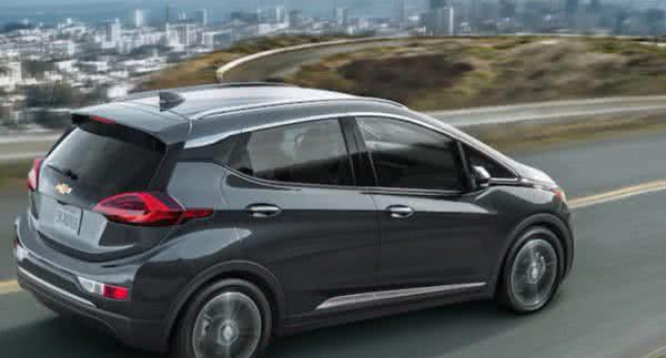 Novo-Chevrolet-Bolt-2022-4-600x323 Novo Chevrolet Bolt 2022: Carros Elétricos, Tecnologia, Economia
