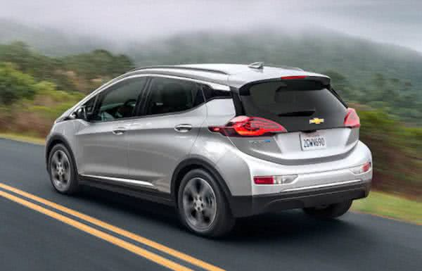Novo-Chevrolet-Bolt-2022-8-600x385 Novo Chevrolet Bolt 2022: Carros Elétricos, Tecnologia, Economia