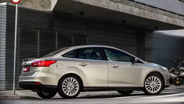 Novo-Ford-Focus-2022-10-600x338 Novo Ford Focus 2022: Preço, Fotos, Consumo, Ficha Técnica