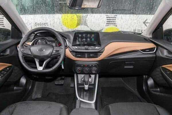 Novo-Onix-Sedan-interior-600x400 Novo Onix Sedan 2022: Ficha Técnica, Preço, Fotos, Consumo