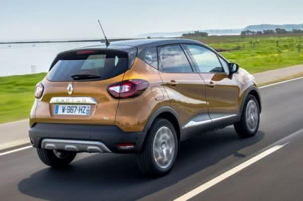 Novo-Renault-Captur-2022-5-600x398 Novo Renault Captur 2022: Motorização, Preços, Ficha Técnica, Fotos