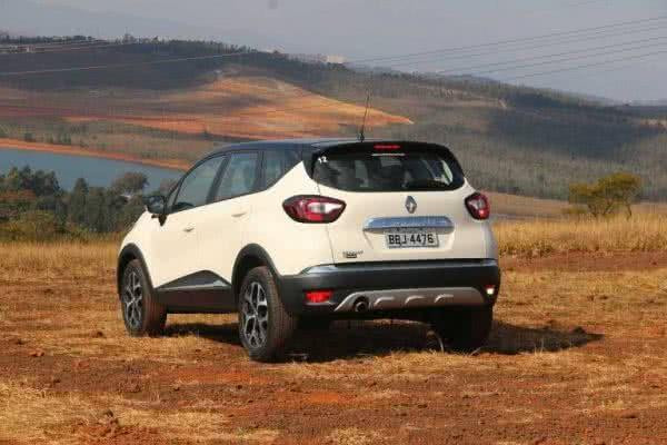 Novo-Renault-Captur-2022-8-600x400 Novo Renault Captur 2022: Motorização, Preços, Ficha Técnica, Fotos