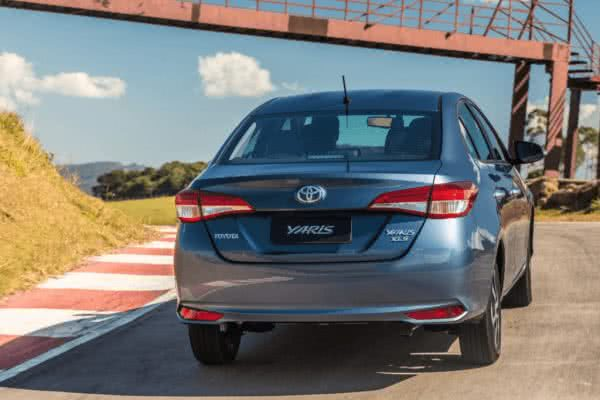 Novo-Toyota-Yaris-2022-2-600x400 Novo Toyota Yaris 2022: Preço, Versões, Fotos Ficha Técnica