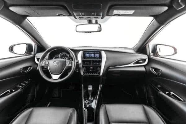 Novo-Toyota-Yaris-2022-6-600x400 Novo Toyota Yaris 2022: Preço, Versões, Fotos Ficha Técnica