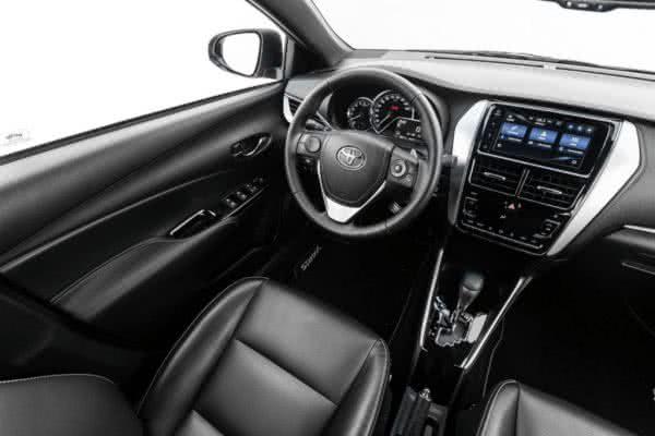 Novo-Toyota-Yaris-2022-8-600x400 Novo Toyota Yaris 2022: Preço, Versões, Fotos Ficha Técnica
