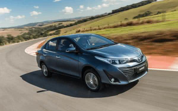 Novo-Toyota-Yaris-2022-9-600x373 Novo Toyota Yaris 2022: Preço, Versões, Fotos Ficha Técnica