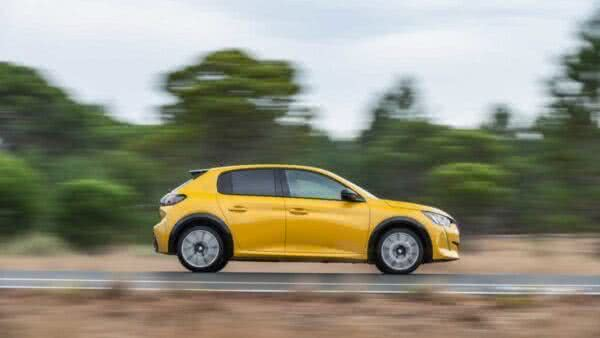 Peugeot-208-14-600x338 Peugeot 208 2022: Preço, FOTOS, Equipamentos e Consumo