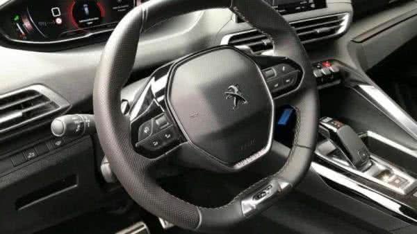 Peugeot-5008-2022-10-600x338 Novo Peugeot 5008 2022: Consumo, Fotos, Ficha Técnica, Preços
