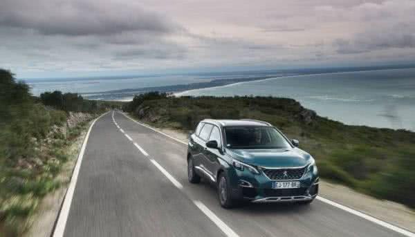 Peugeot-5008-2022-6-600x343 Novo Peugeot 5008 2022: Consumo, Fotos, Ficha Técnica, Preços