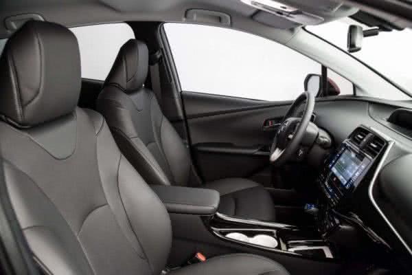Toyota-Prius-2022-10-600x400 Toyota Prius 2022: Motorização, Preços, Ficha Técnica, Fotos