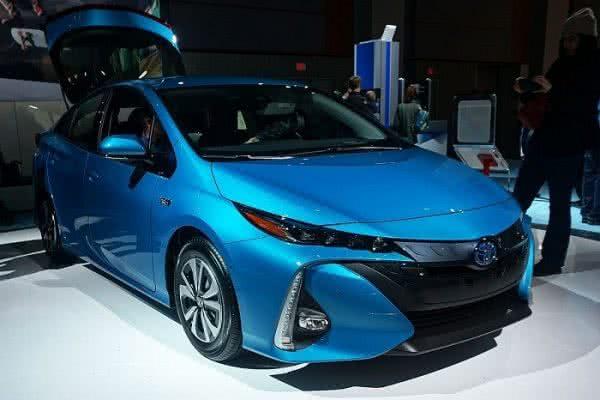 Toyota-Prius-2022-2-600x400 Toyota Prius 2022: Motorização, Preços, Ficha Técnica, Fotos
