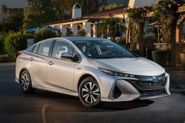 Toyota-Prius-2022-600x400 Toyota Prius 2022: Motorização, Preços, Ficha Técnica, Fotos