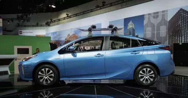 Toyota-Prius-2022-7-600x315 Toyota Prius 2022: Motorização, Preços, Ficha Técnica, Fotos