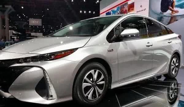 Toyota-Prius-2022-8-600x349 Fiat Strada 2022: Preço, Fotos e Itens! Versões e Motor