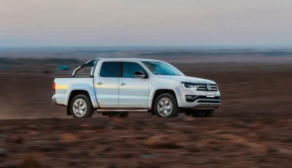 Volkswagen-Amarok-2022-10-600x346 Volkswagen Amarok 2022: Preço, Versões, Fotos Ficha Técnica