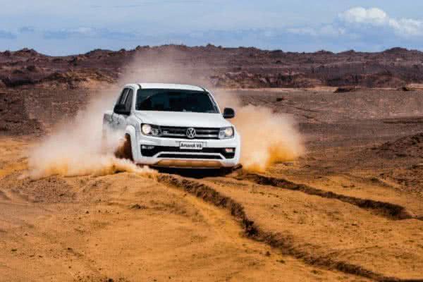 Volkswagen-Amarok-2022-5-600x400 Volkswagen Amarok 2022: Preço, Versões, Fotos Ficha Técnica