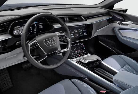 Audi-e-tron-2022-08-585x400 Audi E-tron 2022: Preço, Consumo, Fotos, Itens, Ficha Técnica