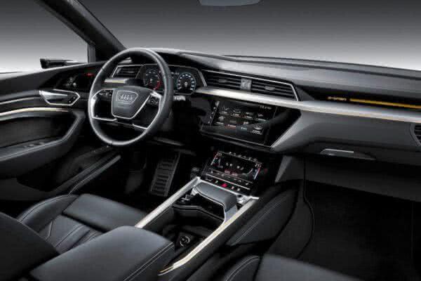 Audi-e-tron-2022-09-600x400 Audi E-tron 2022: Preço, Consumo, Fotos, Itens, Ficha Técnica