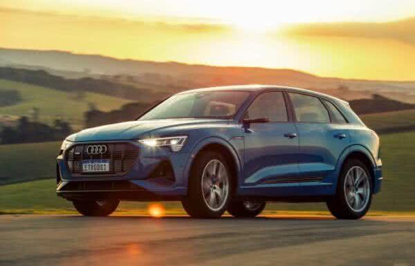 Audi-e-tron-2022-10-600x385 Audi E-tron 2022: Preço, Consumo, Fotos, Itens, Ficha Técnica
