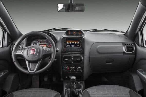 Fiat-Strada-interior-600x400 Fiat Strada 2022: Ficha Técnica, Preço, Fotos, Consumo
