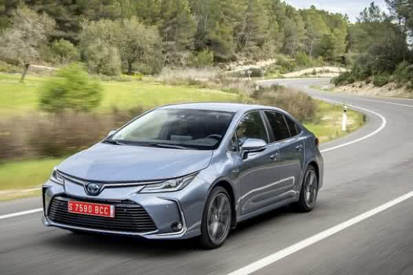 Toyota-Corolla-1-600x400 Toyota Corolla 2022: Ficha Técnica, Preço, Fotos, Consumo