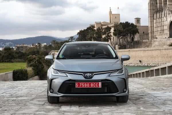 Toyota-Corolla-10-600x400 Toyota Corolla 2022: Ficha Técnica, Preço, Fotos, Consumo