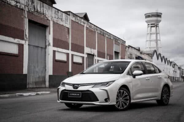 Toyota-Corolla-4-600x400 Toyota Corolla 2022: Ficha Técnica, Preço, Fotos, Consumo