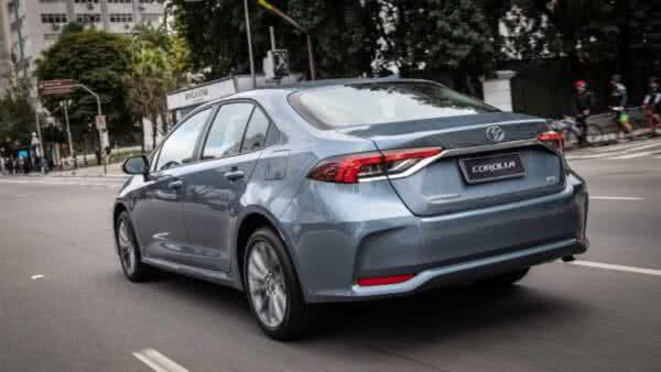 Toyota-Corolla-5-600x338 Toyota Corolla 2022: Ficha Técnica, Preço, Fotos, Consumo